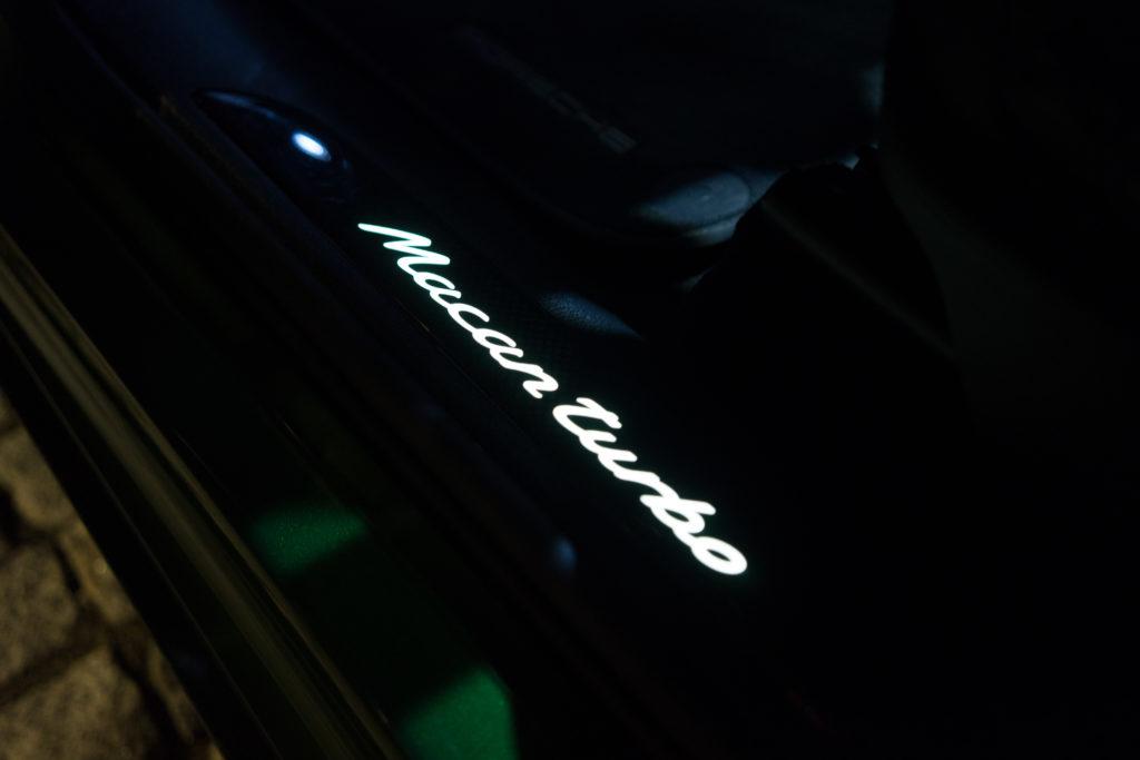Porsche Macan Turbo noc