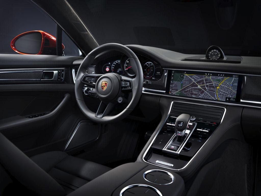 Porsche Panamera Turbo S wnętrze