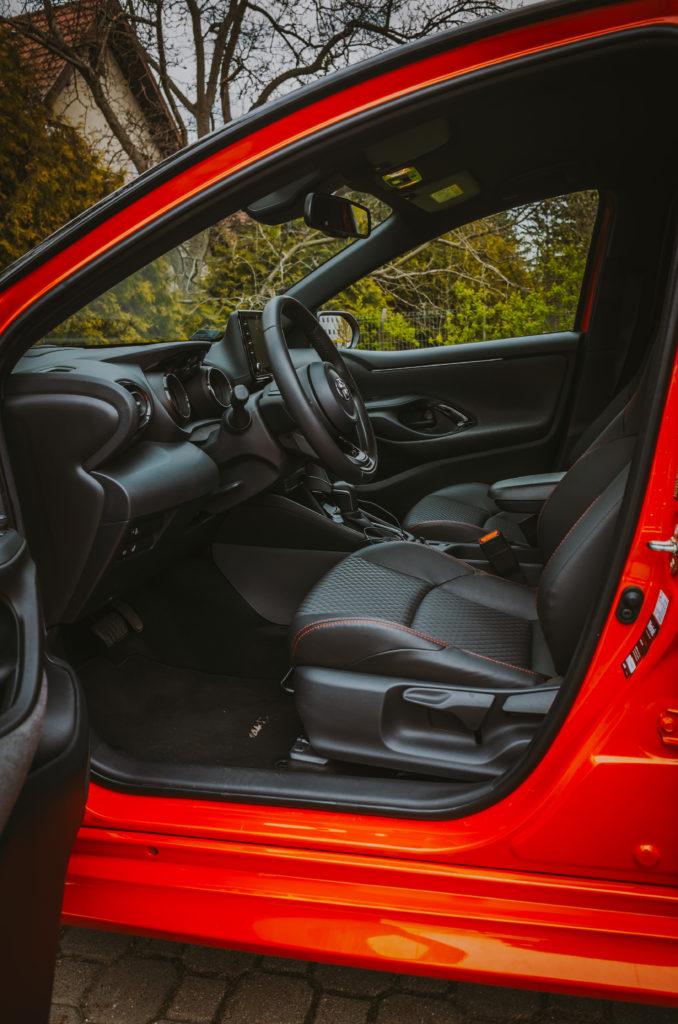 Toyota Yaris Hybrid (fot. Krzysztof Kaźmierczak - autmotyw.com)