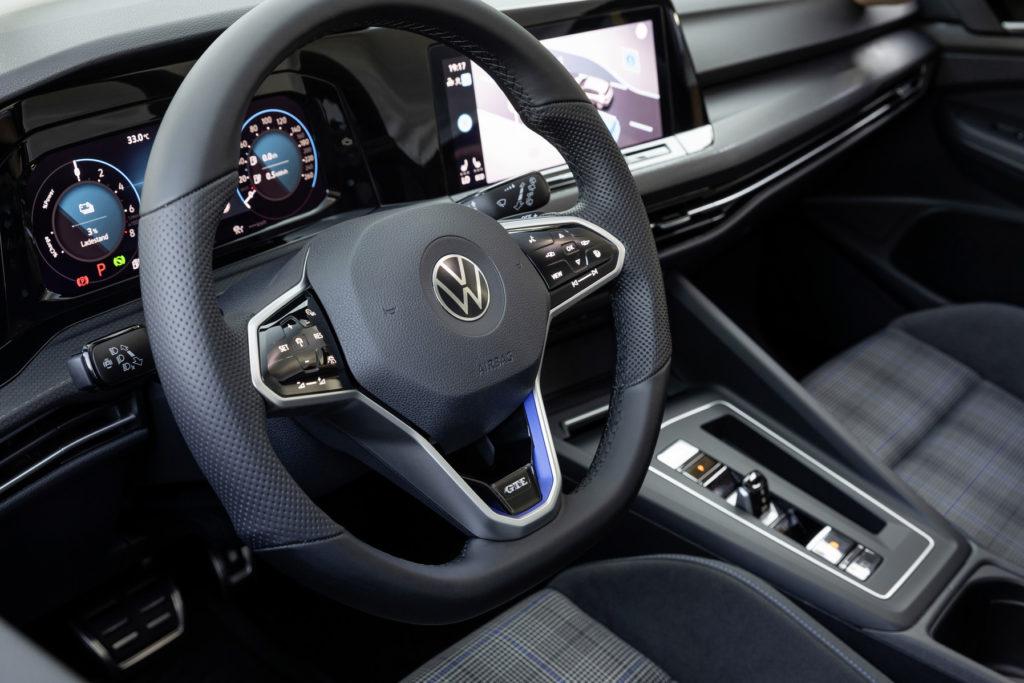 VW Golf GTE - wnętrze