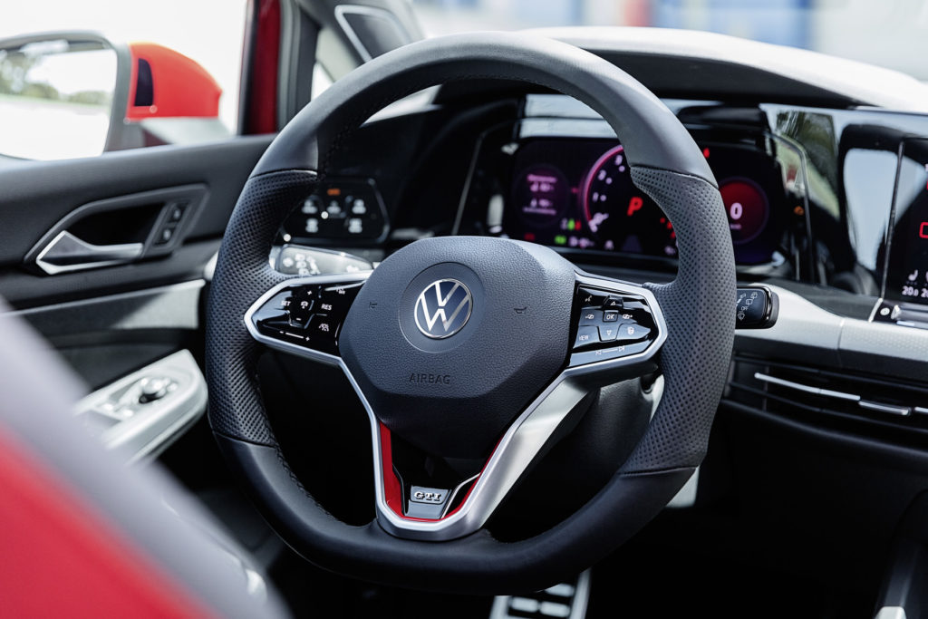 VW Golf GTI VIII - wnętrze