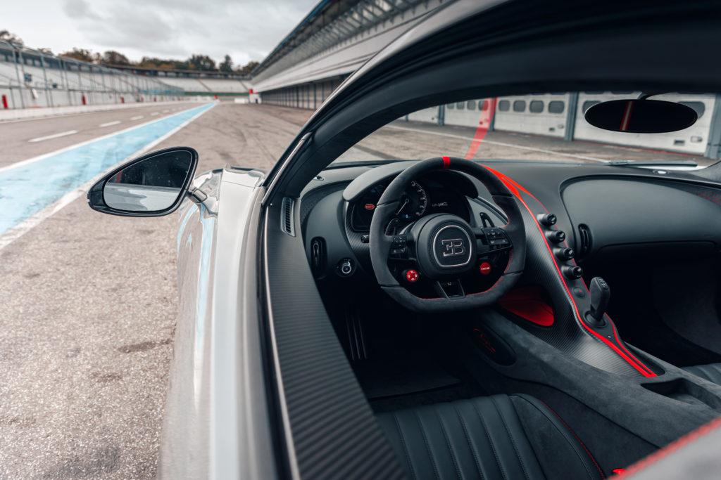 Bugatti Chiron Pur Sport kokpit