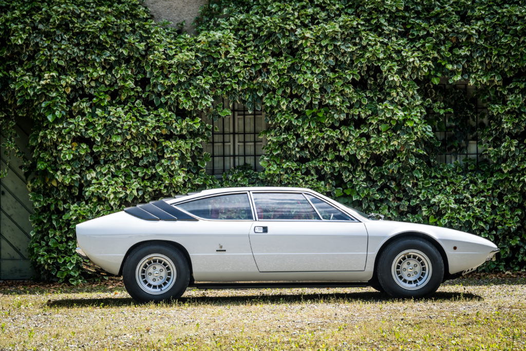 Lamborghini Urraco profil