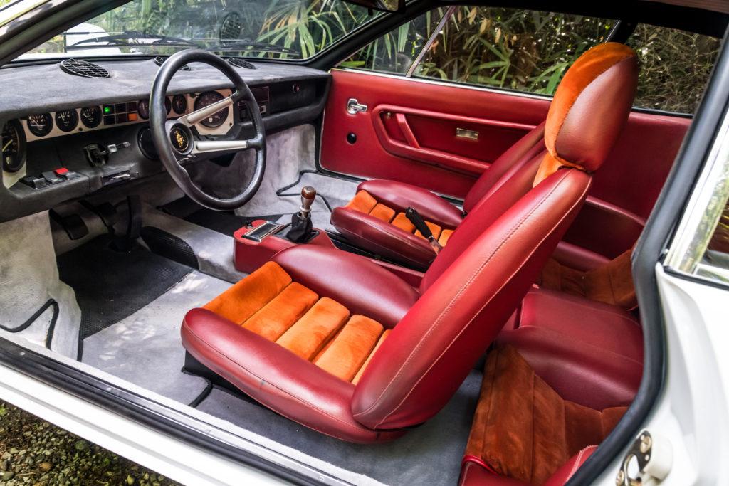 Lamborghini Urraco wnętrze