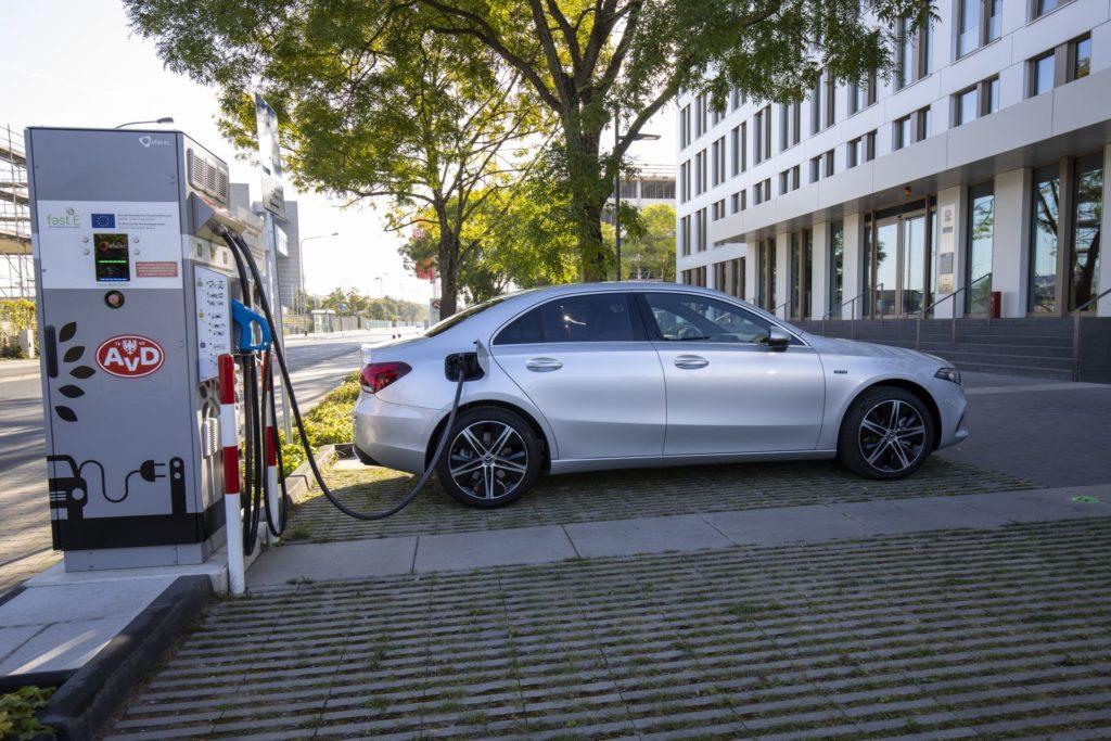 Mercedes-Benz A 250 e Limousine