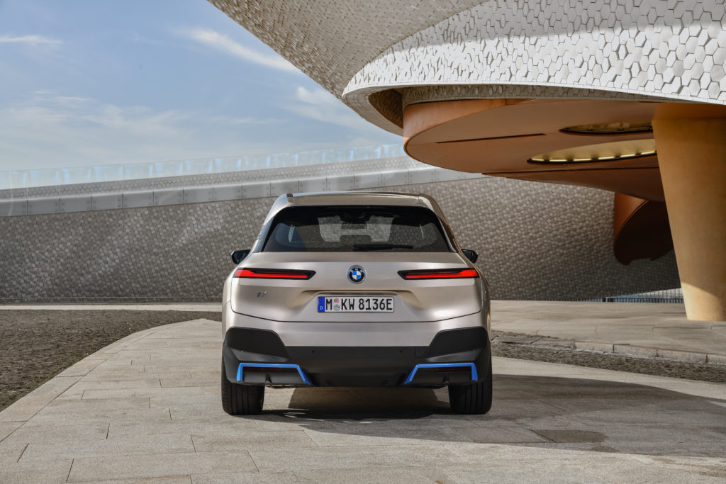 BMW iX 2021 tył