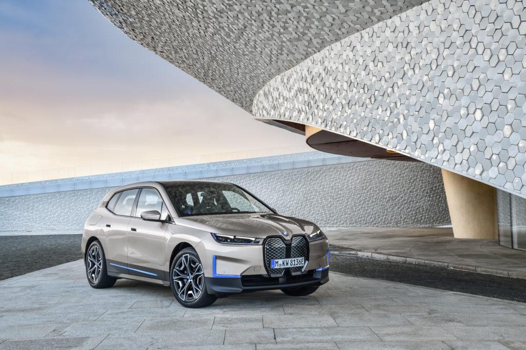 BMW iX 2021 3/4
