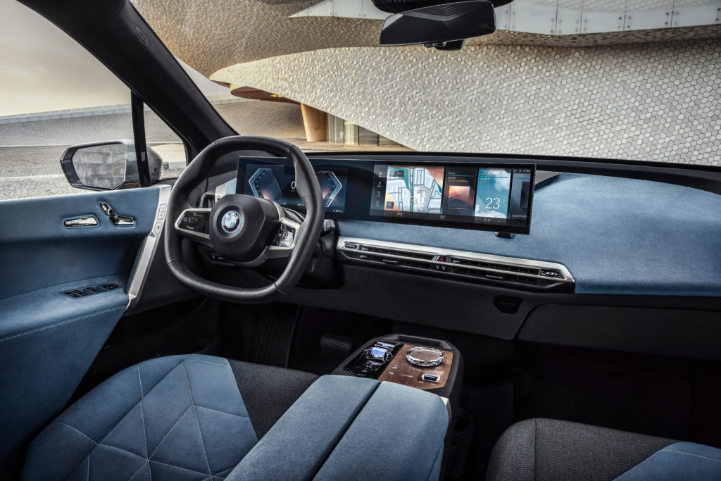 BMW iX 2021 deska