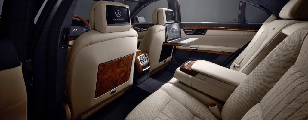 Mercedes tył