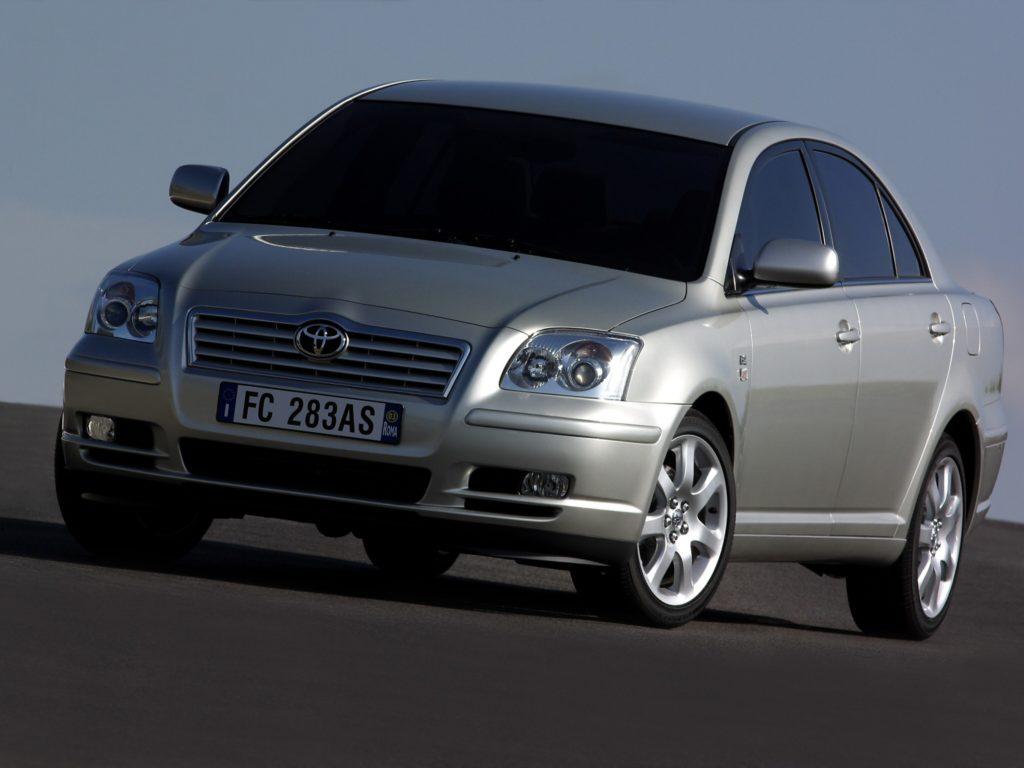 Wadliwy motor trafiał do Toyoty Avensis i Rav4 II generacji