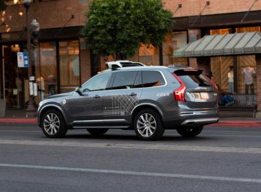 Uber autonomiczne auto