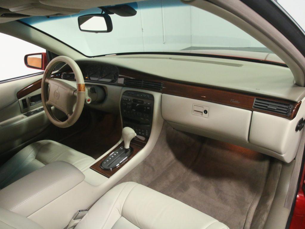 wnętrze Cadillac Eldorado