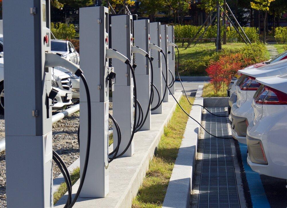 Stacje ładowania aut elektrycznych