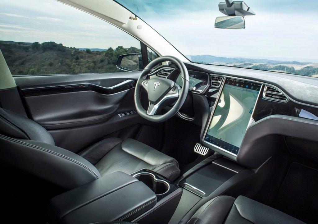 Tesla Model X - wnętrze
