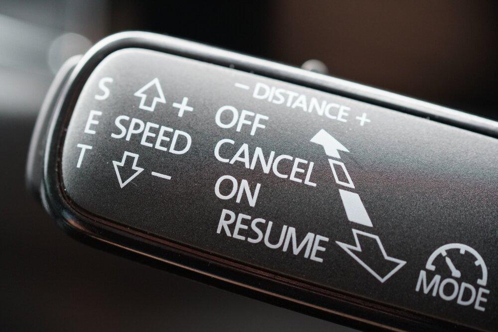 Systemy wsparcia kierowcy - tempomat adaptacyjny