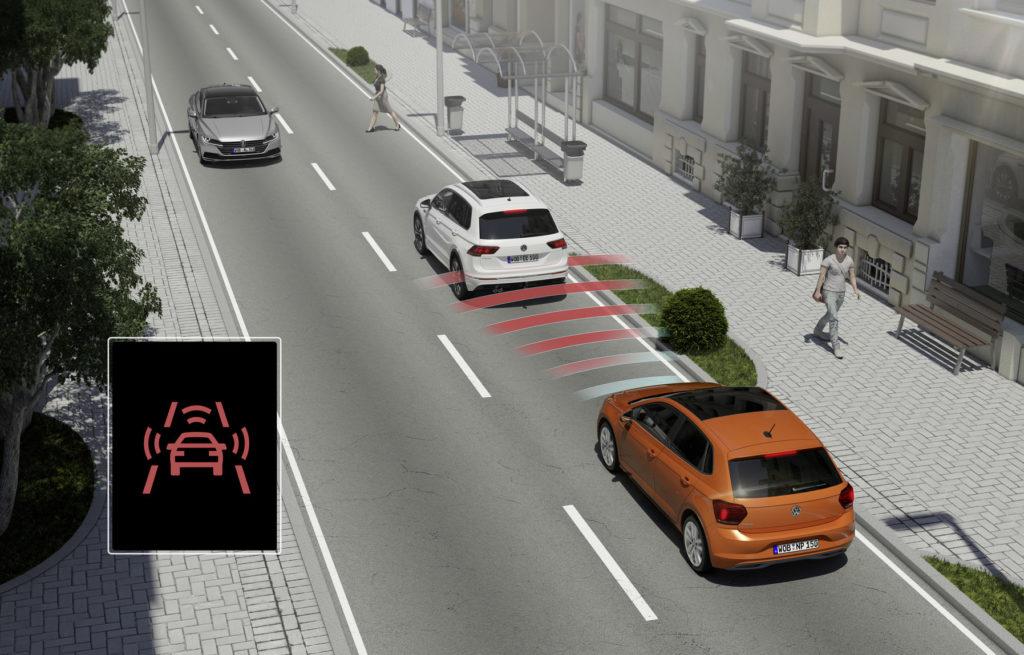 Systemy wsparcia kierowcy - przeciwdziałanie kolizji z awaryjnym hamowaniem