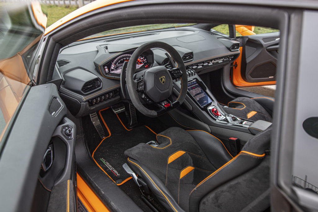 wnętrze Lamborghini Huracan Evo