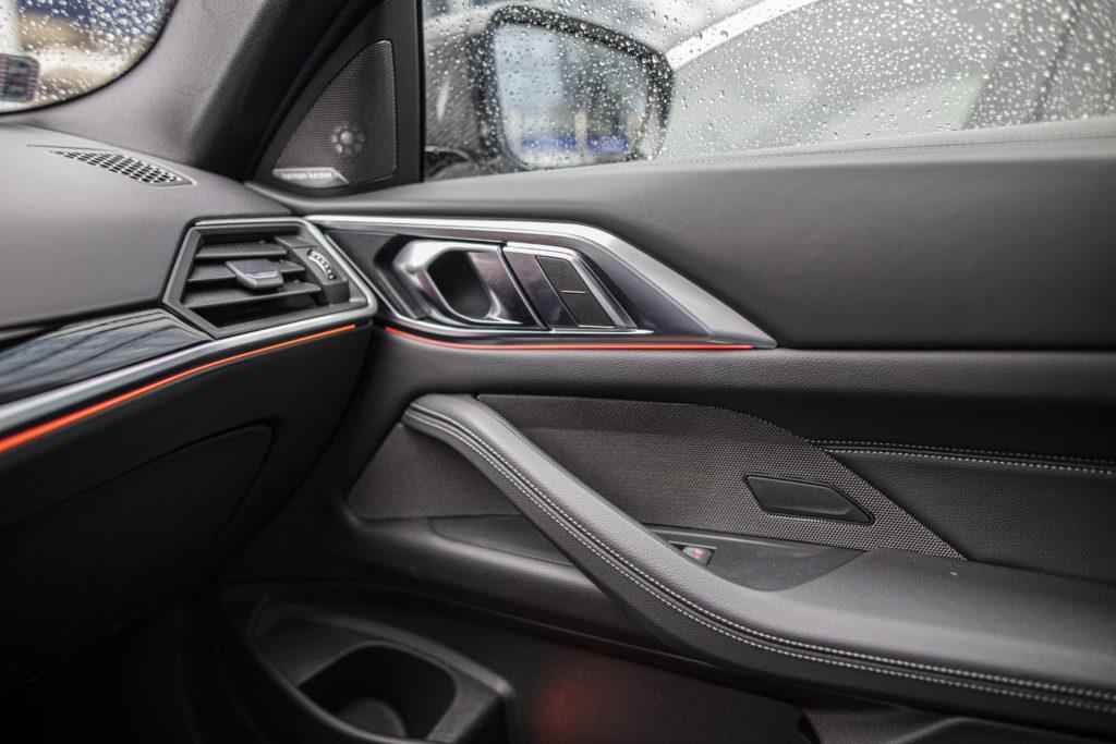 wnętrze nowego BMW 430i