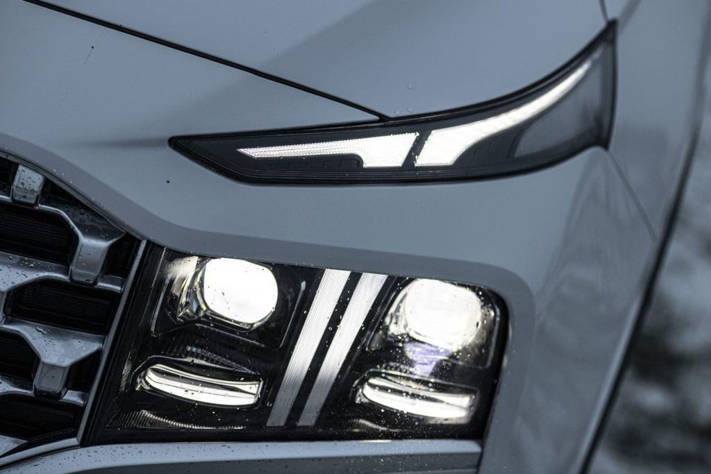 przednie światła Hyundai Santa Fe