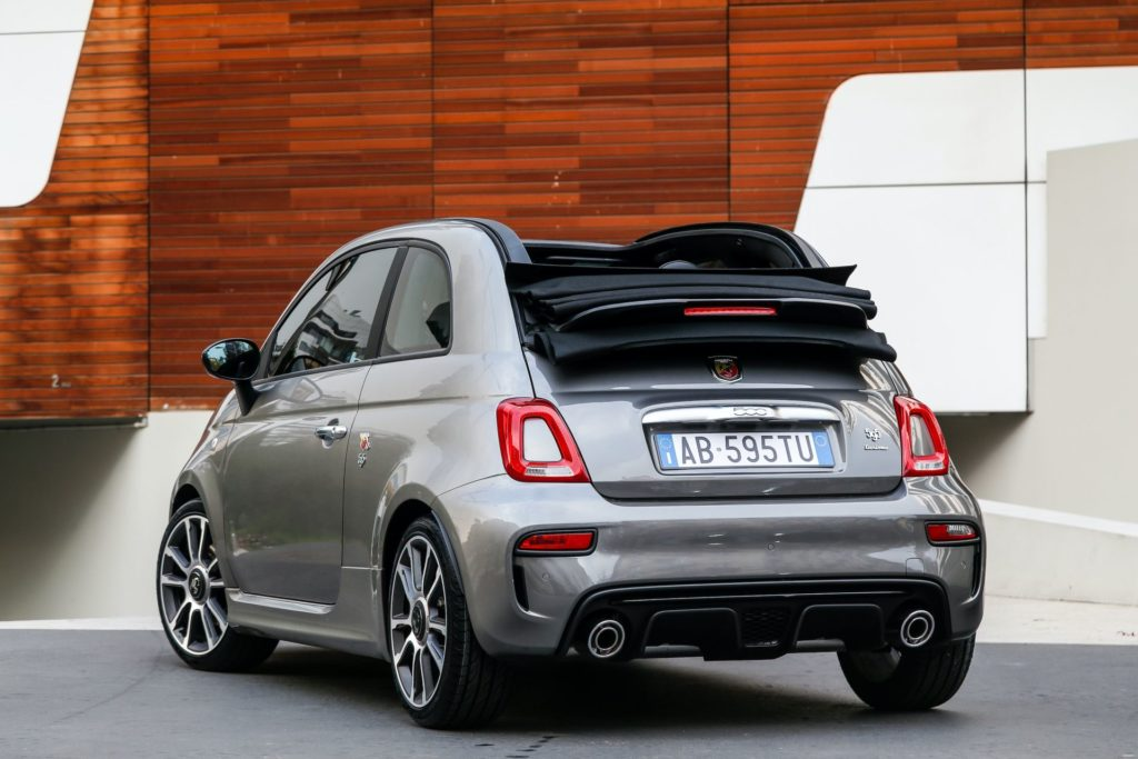 Nowy Abarth 595 Turismo