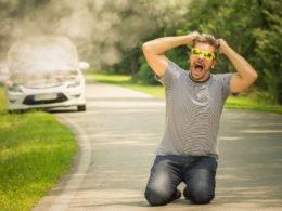 Zepsute auto na drodze