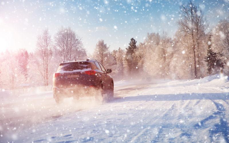 Samochód zimą zima auto