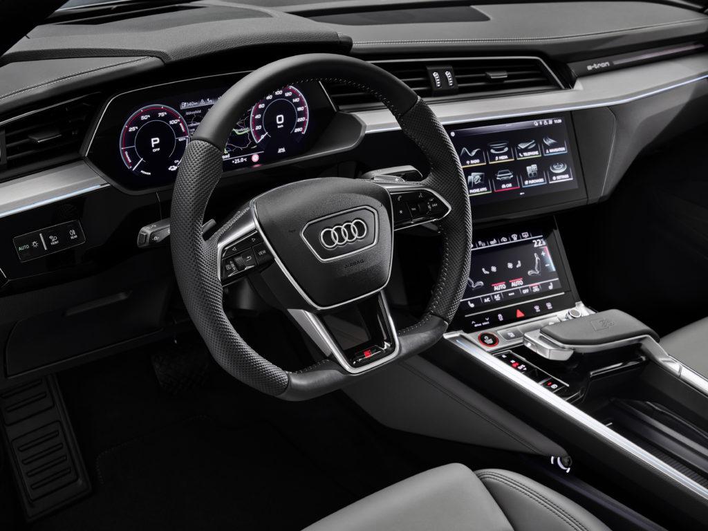 Audi e-tron wnętrze