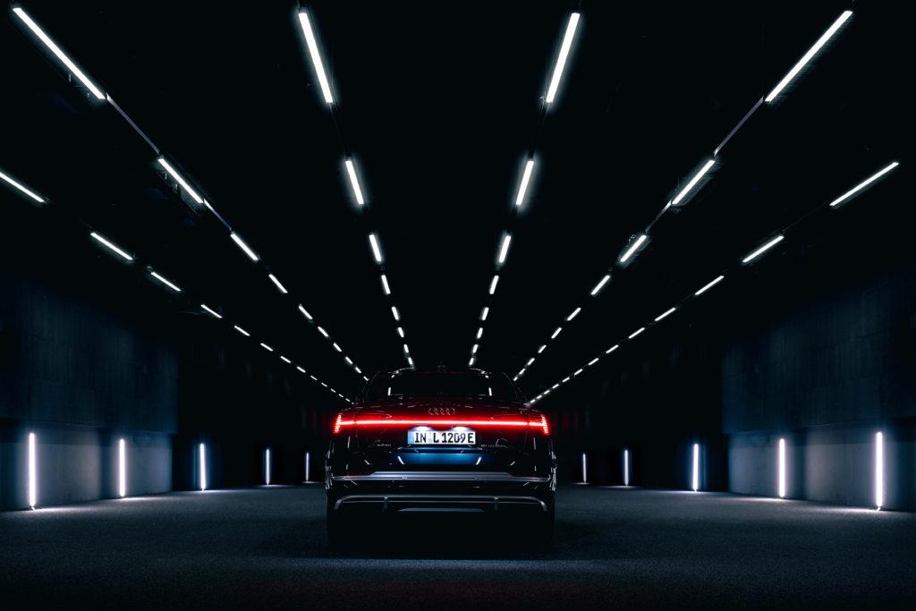 Audi e-tron Sportback nocą