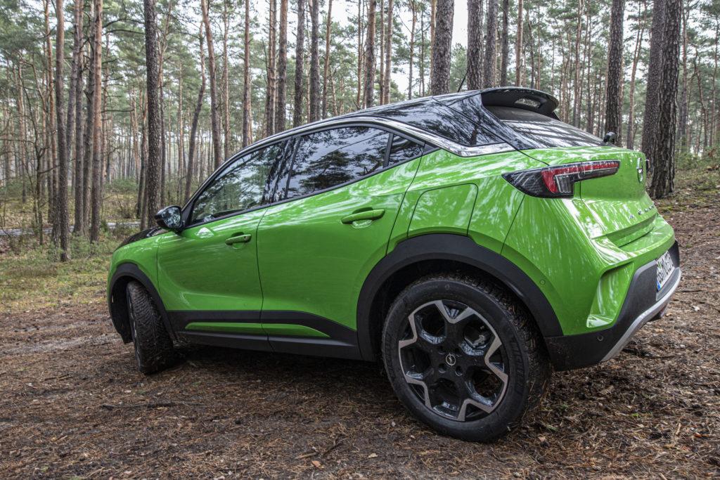 podniesione nadwozie Opel