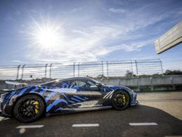 Nick Heidfeld testuje Pininfarina Battista (fot. Pininfarina)