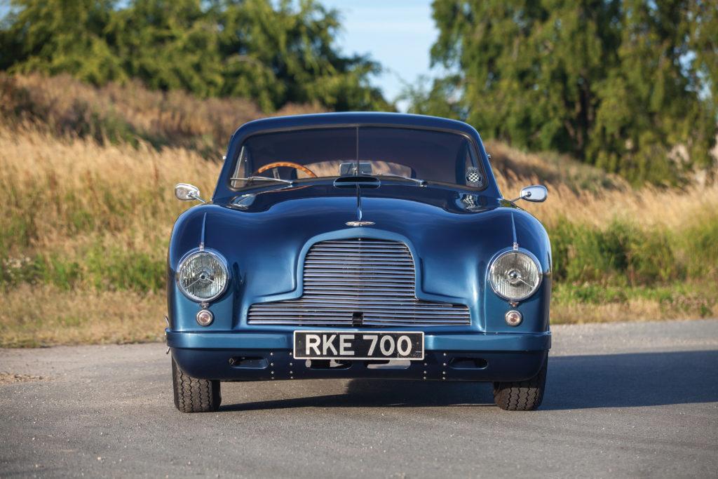 światła Aston Martin