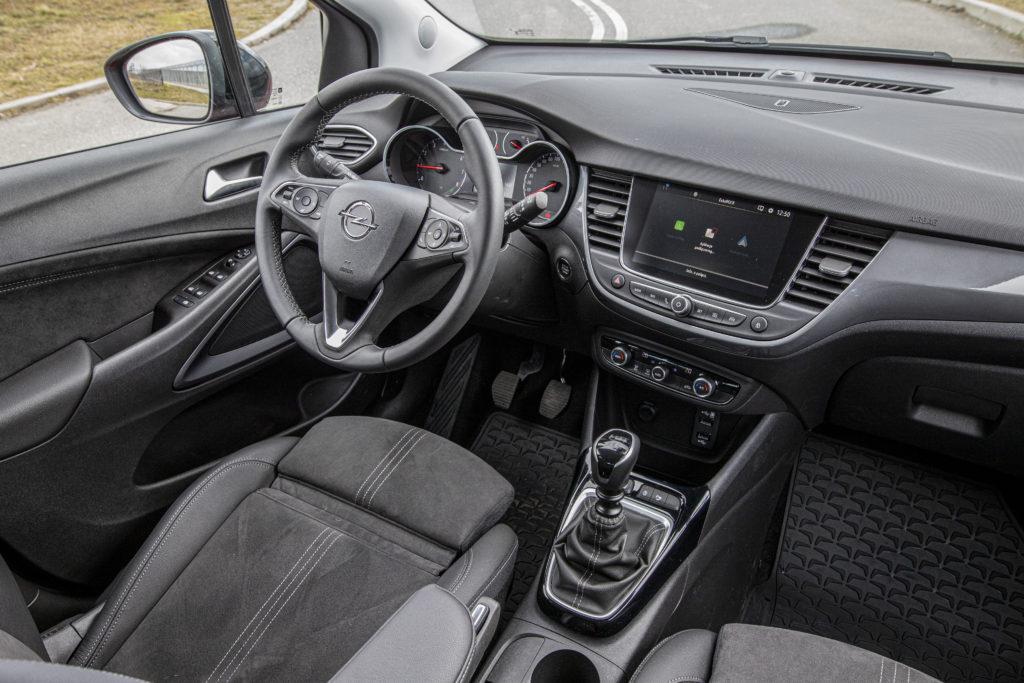 Opel Crossland wnętrze