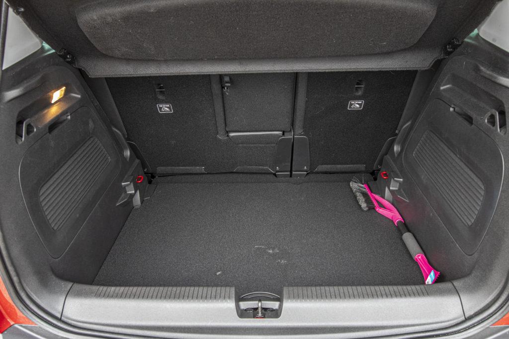 bagażnik Opel Crossland