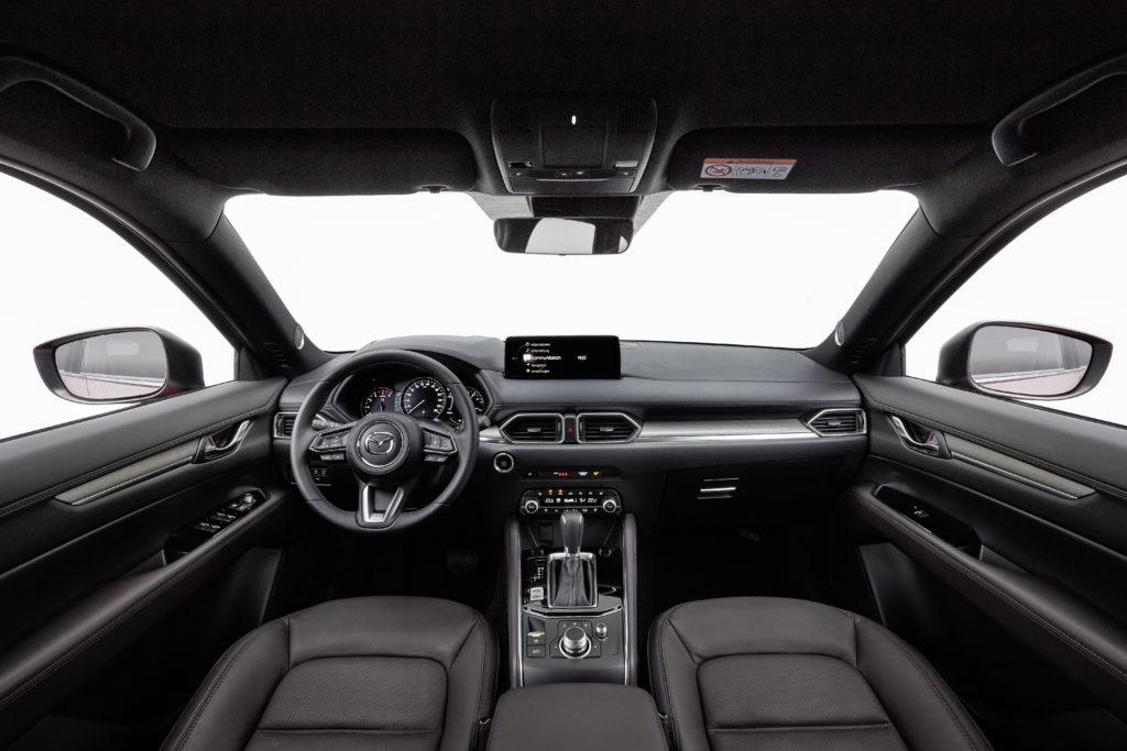 wnętrze Mazdy CX-5