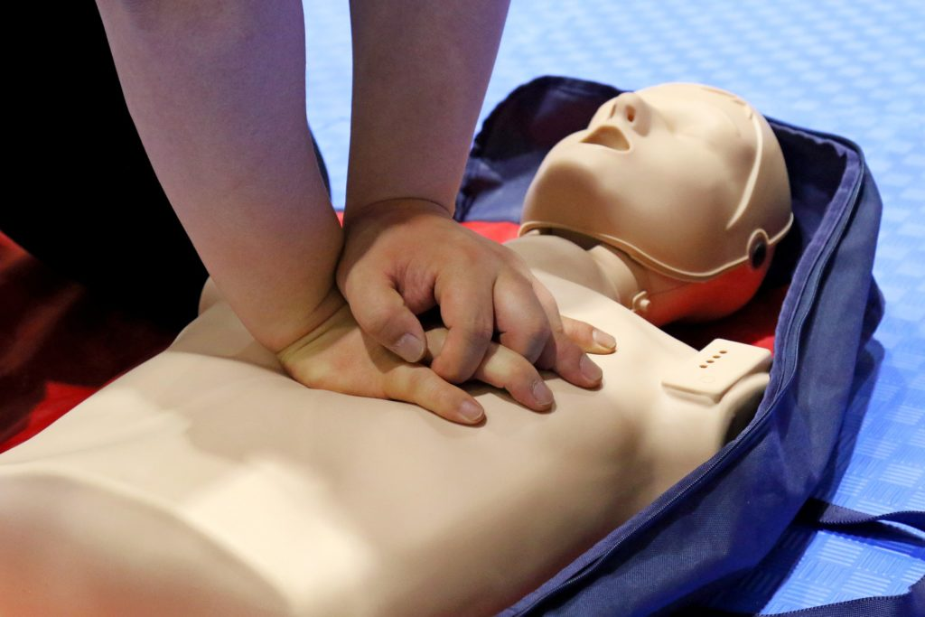 resuscytacja, pierwsza pomoc