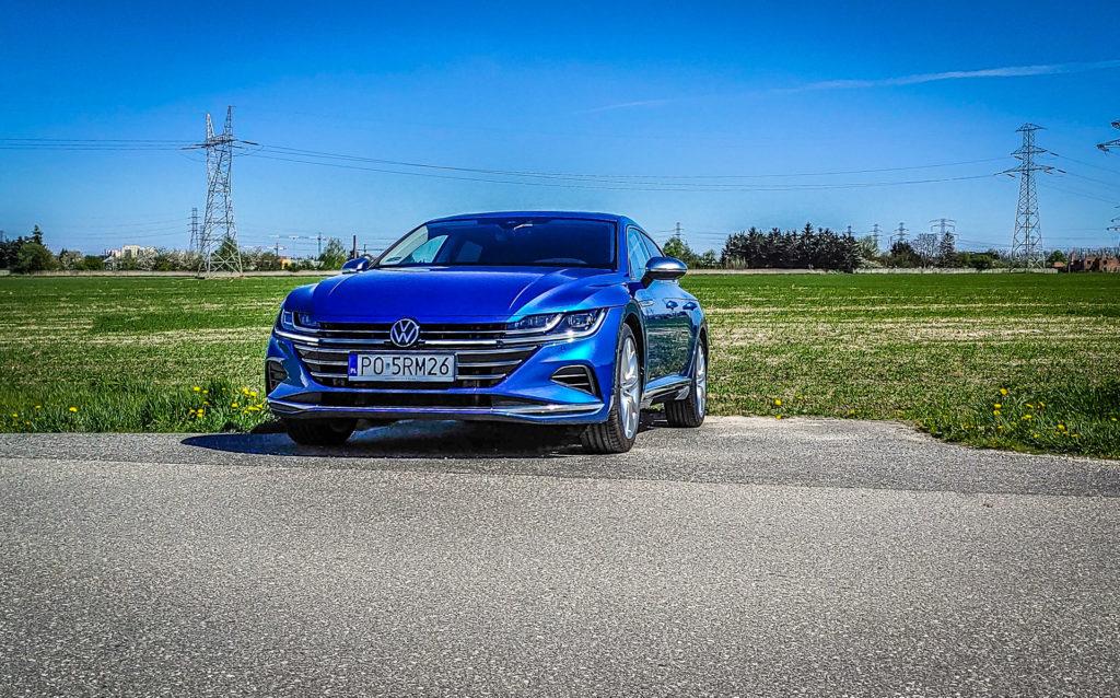 VW Arteon Shooting Brake - czy warto nim odjechać? Auto ma wiele zalet, ale na tej półce cenowej jest w czym wybierać (fot. Jakub Kornacki / Automotyw.com)