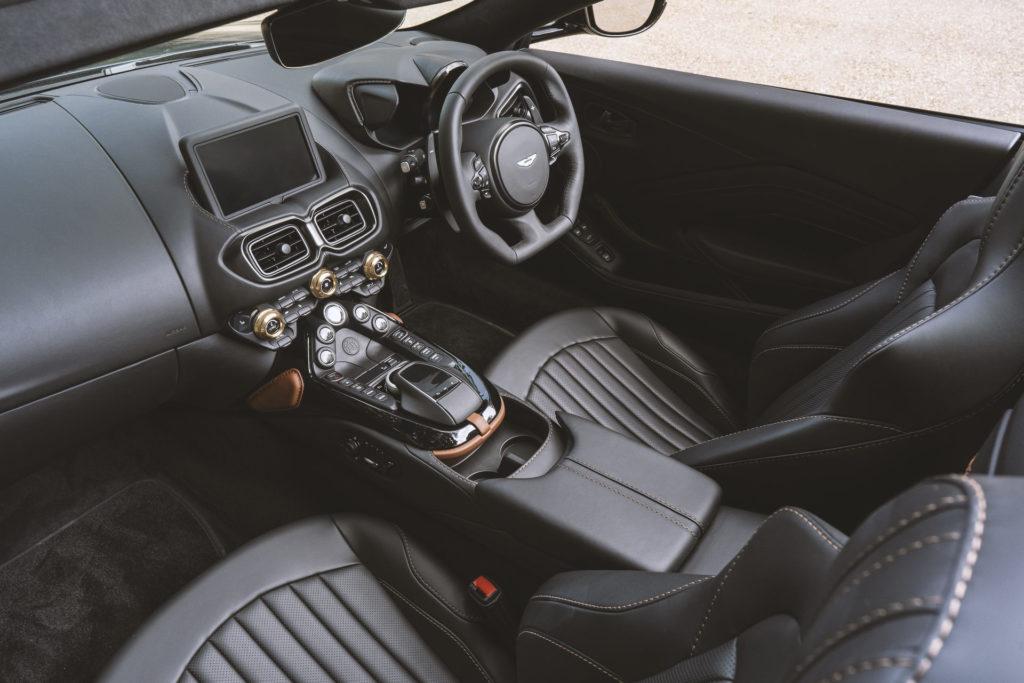 Aston Martin Vantage Roadster i A3 (fot. Aston Martin)