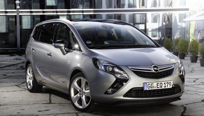 Opel Zafira C Tourer (2012)