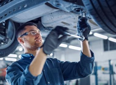 mechanik, naprawa auta