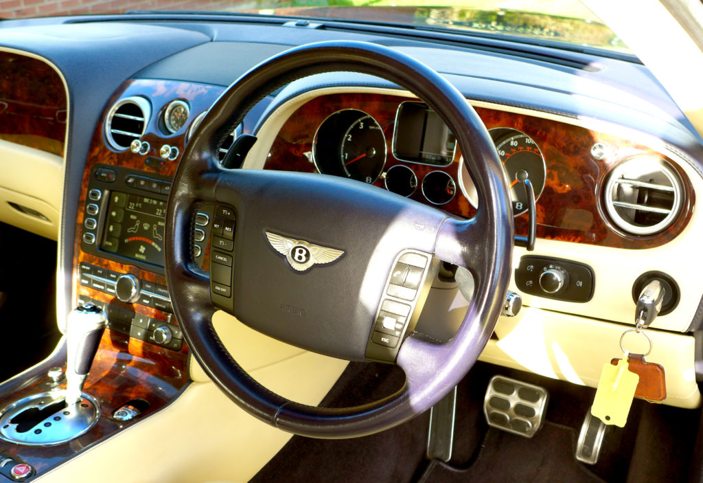 wnętrze Bentley Flying Spur