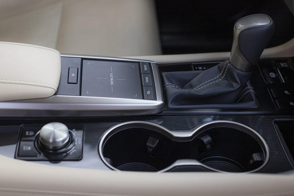 gładzik Lexus