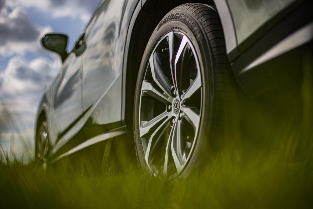 20-calowe koła Lexus