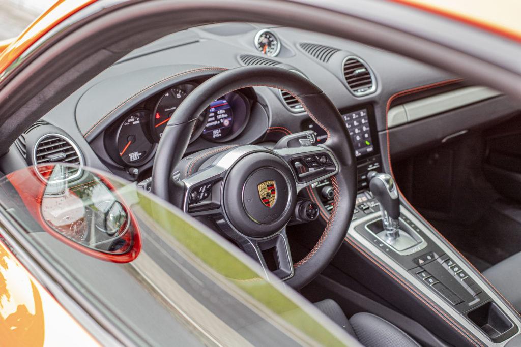 wnętrze Porsche 718