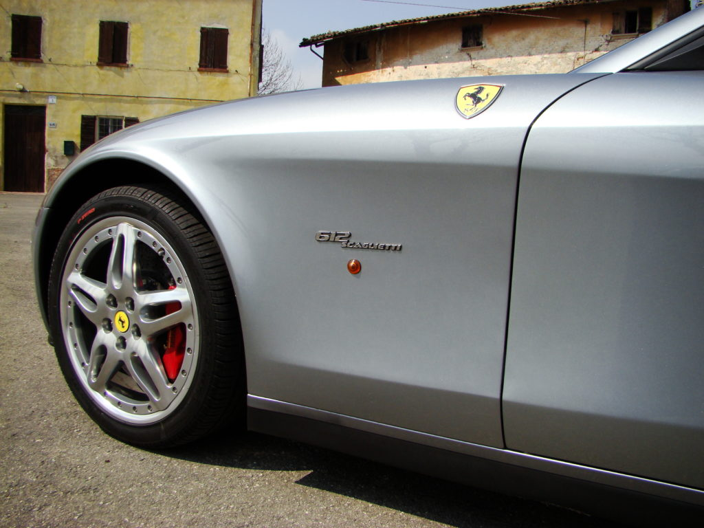 aluminiowe panele Ferrari 612